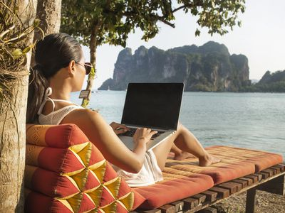 Remote employee working for a virtual business