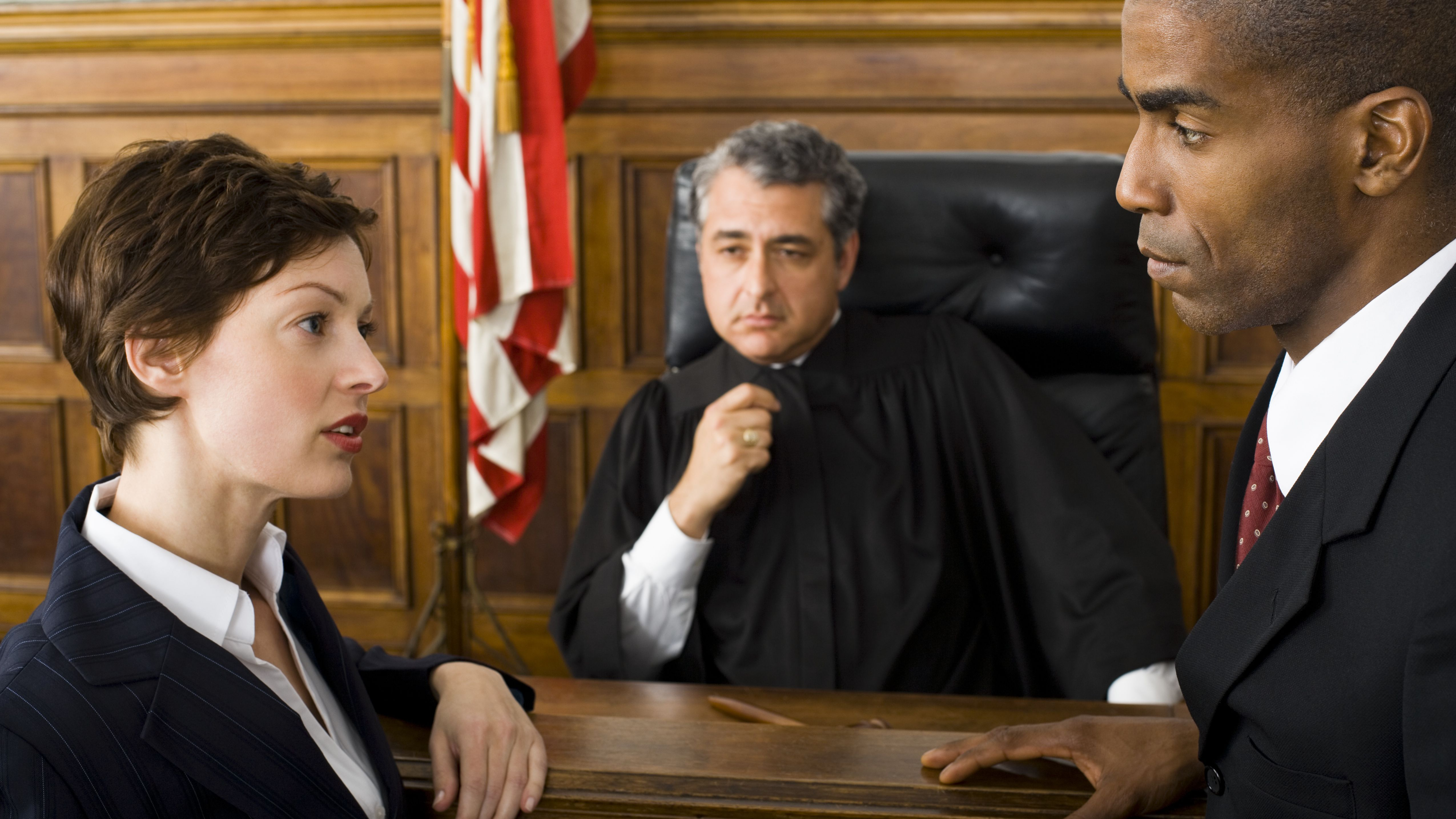 How to Sue Someone in a Business Dispute