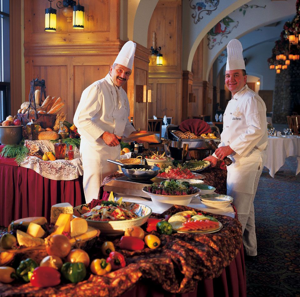 Catering Food For Wedding: How An Event Planner Works With A Caterer