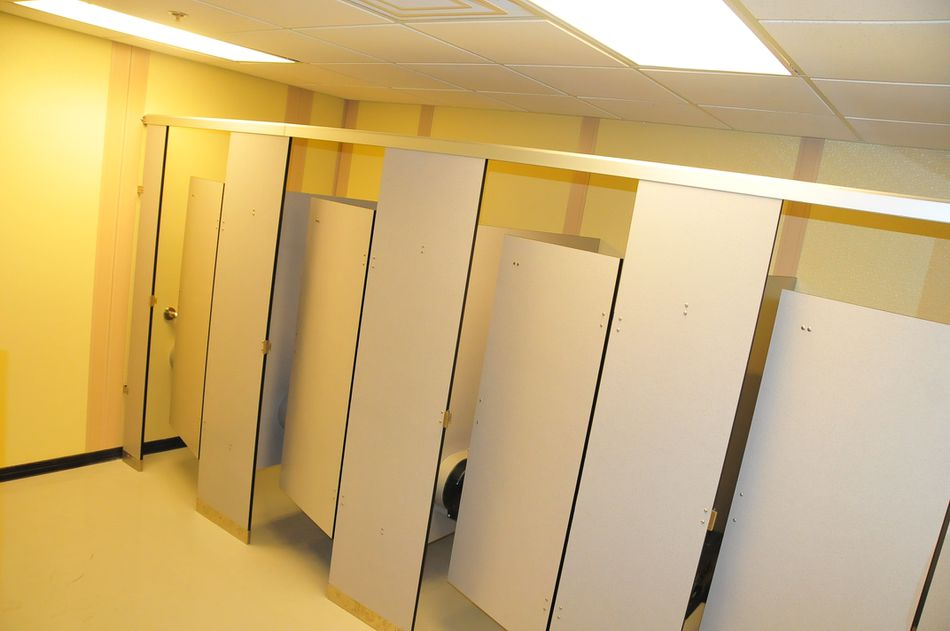 Metal Bathroom Partitions