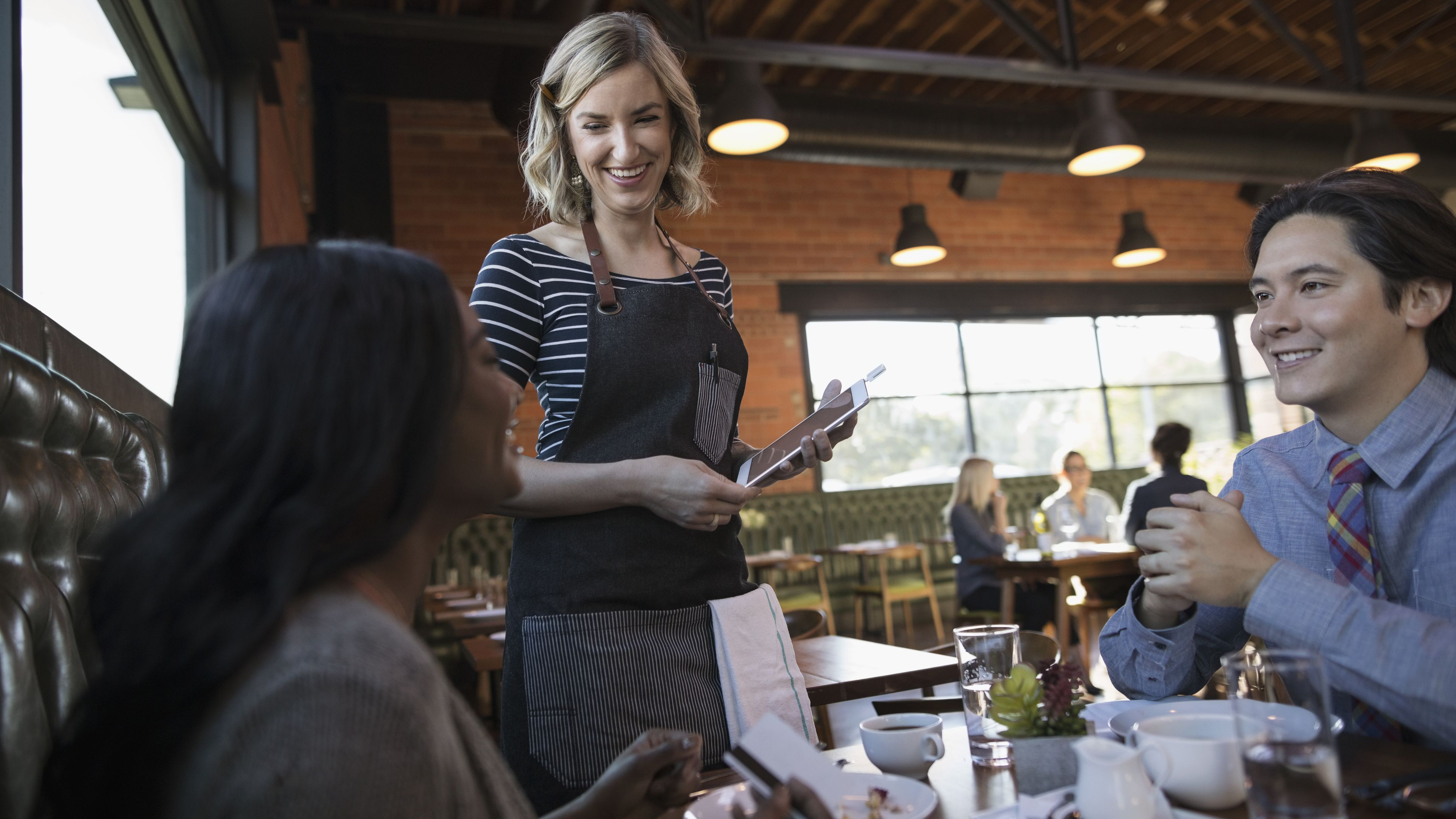 Do Restaurants Have to Pay Minimum Wage?