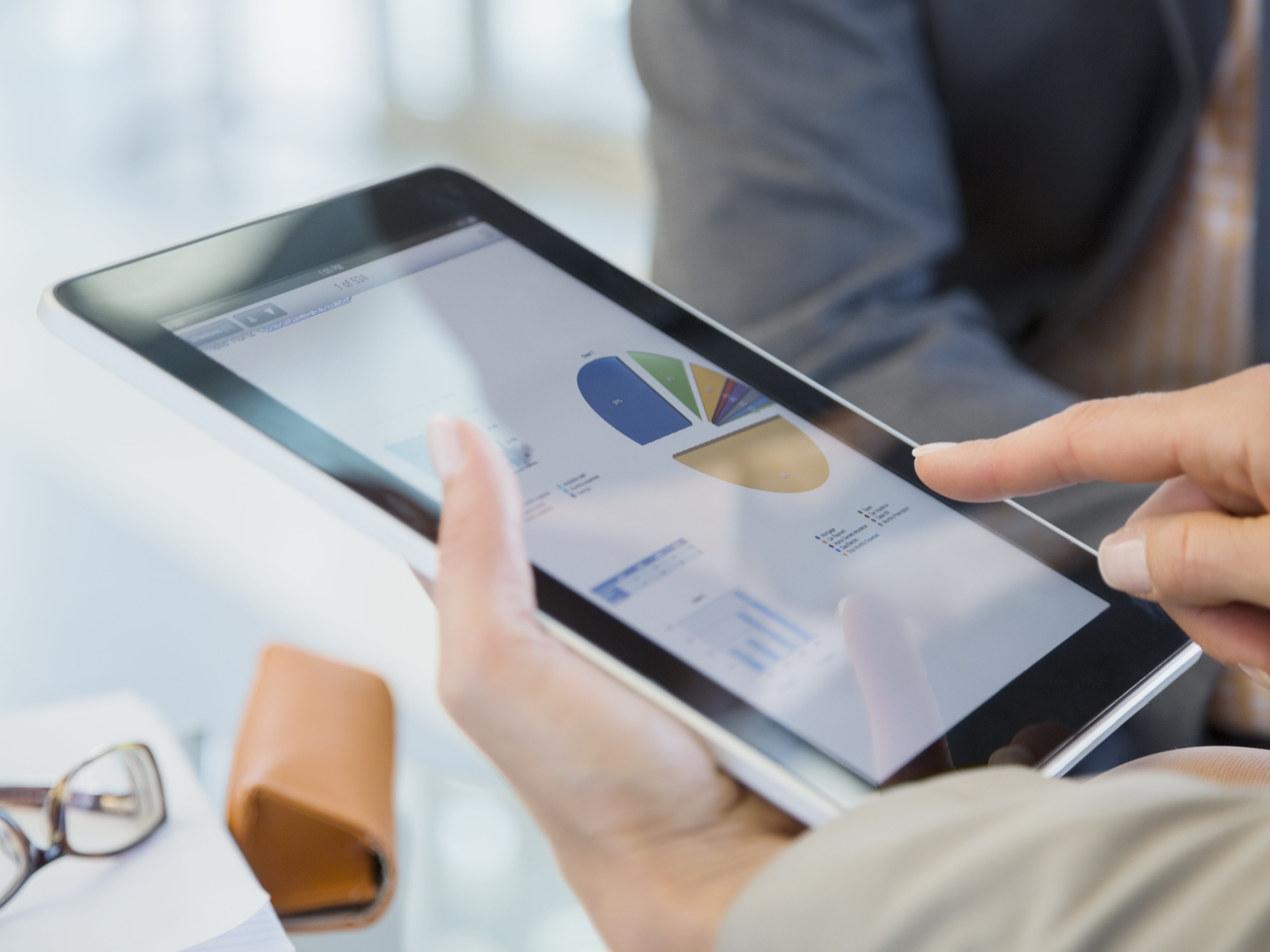 7 Best iPhone & Android Apps for Business Finance