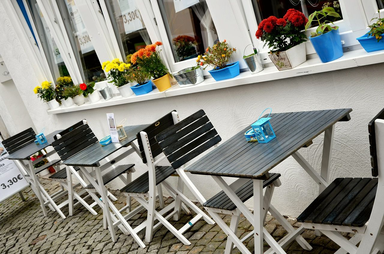The Pros And Cons Of Buying A Restaurant
