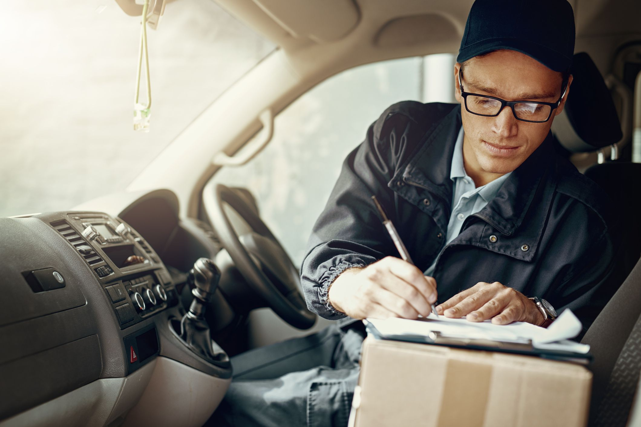 What's the Best Way to Reimburse Employees for Mileage Expenses?