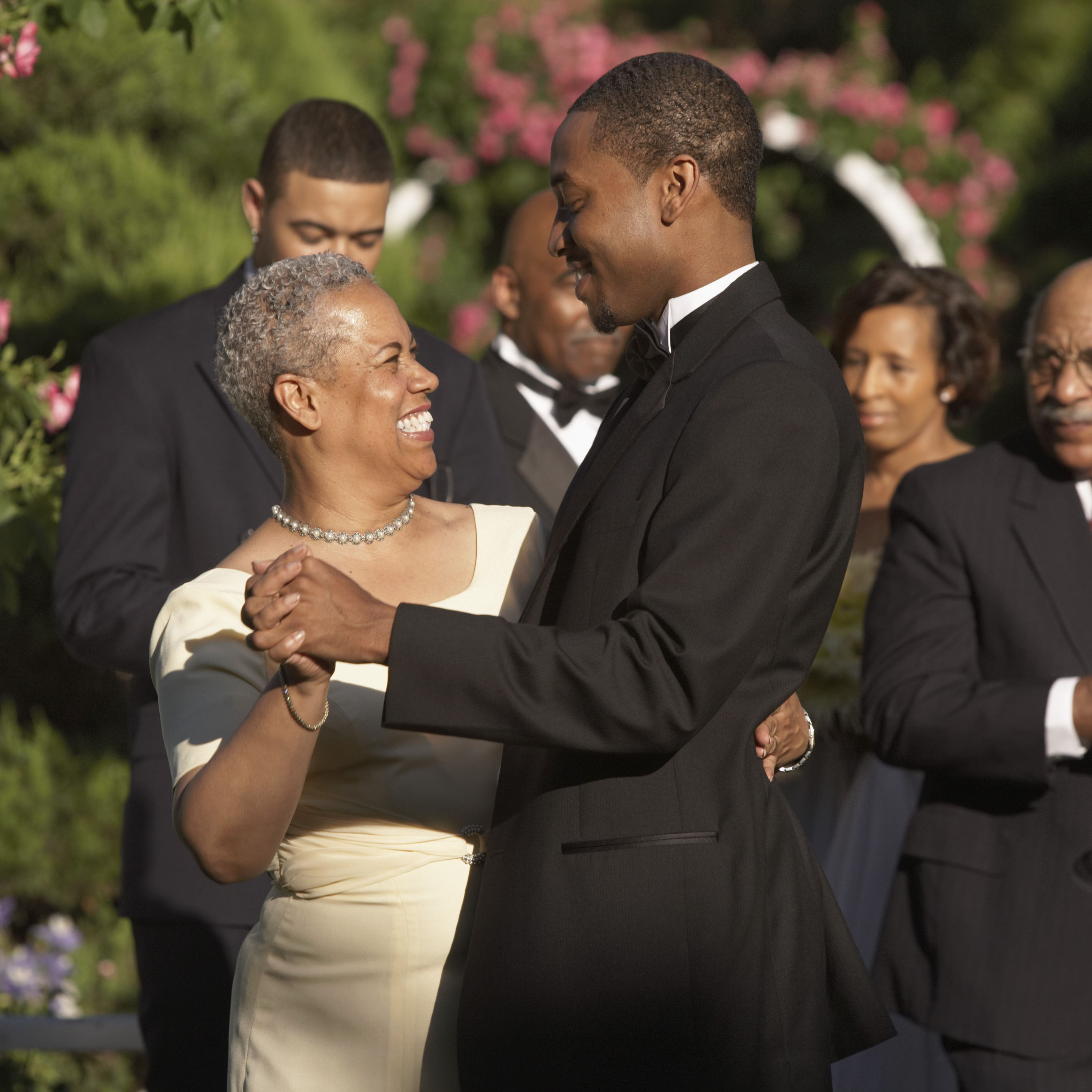 5 Great Mother-Son Wedding Reception Dance Songs