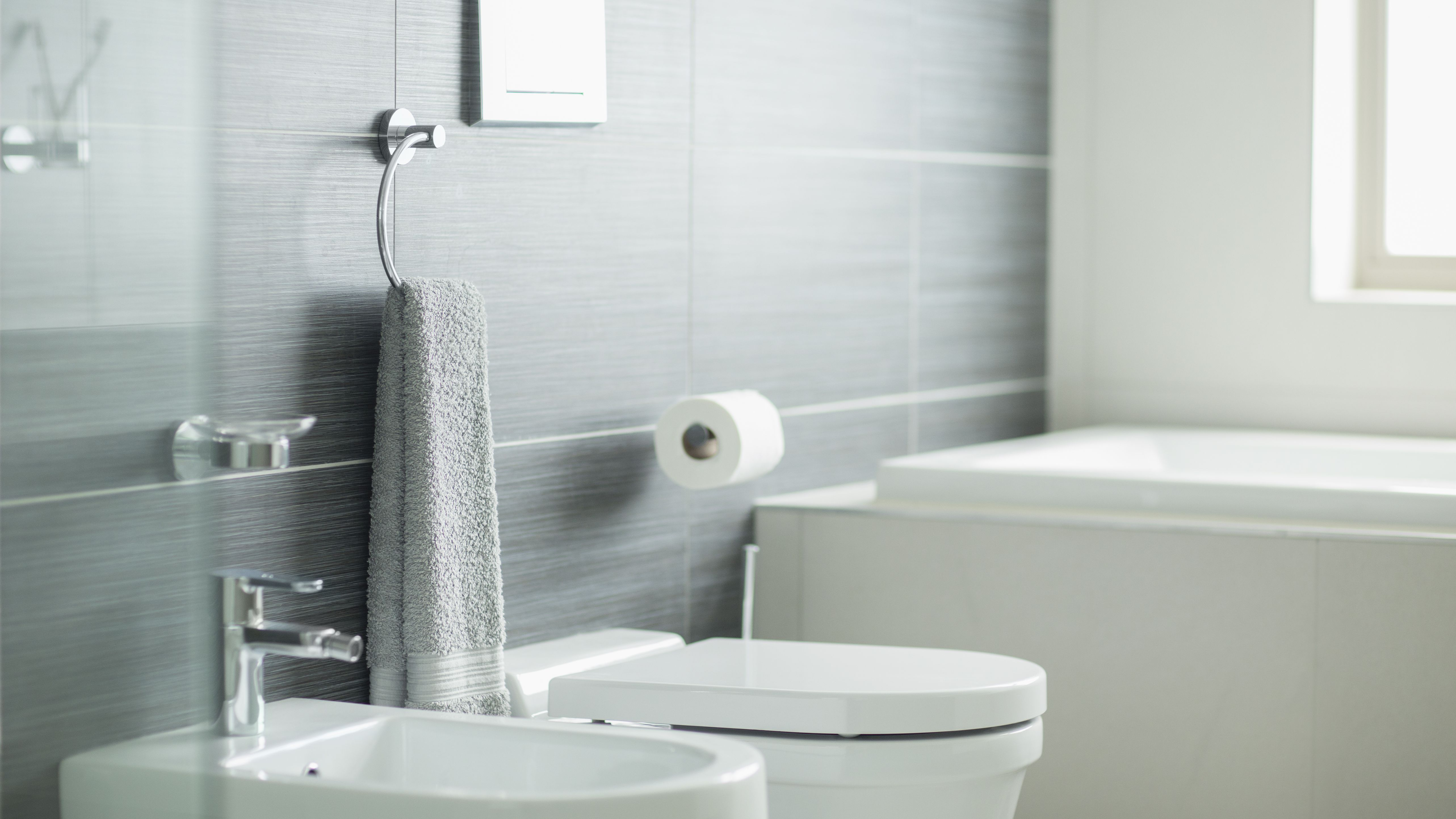 Where To Install A Towel Bar And Other Bath Accessories