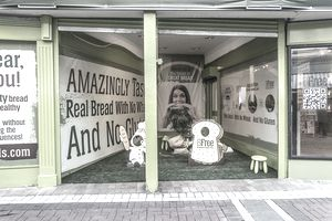 Bfree Real Bread a pop-up retail shop in empty storefront.