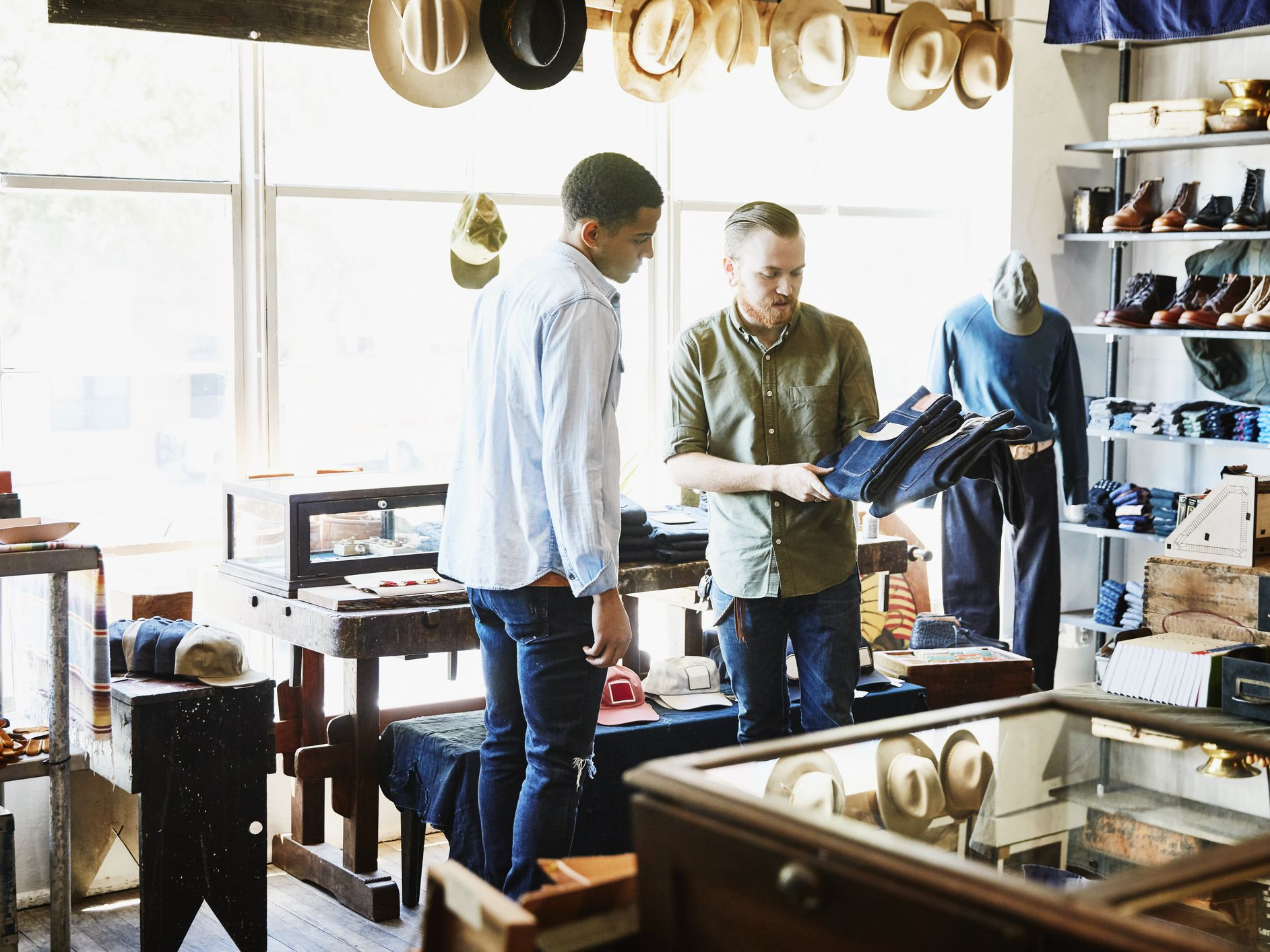 Pros and Cons of Opening a Retail Business