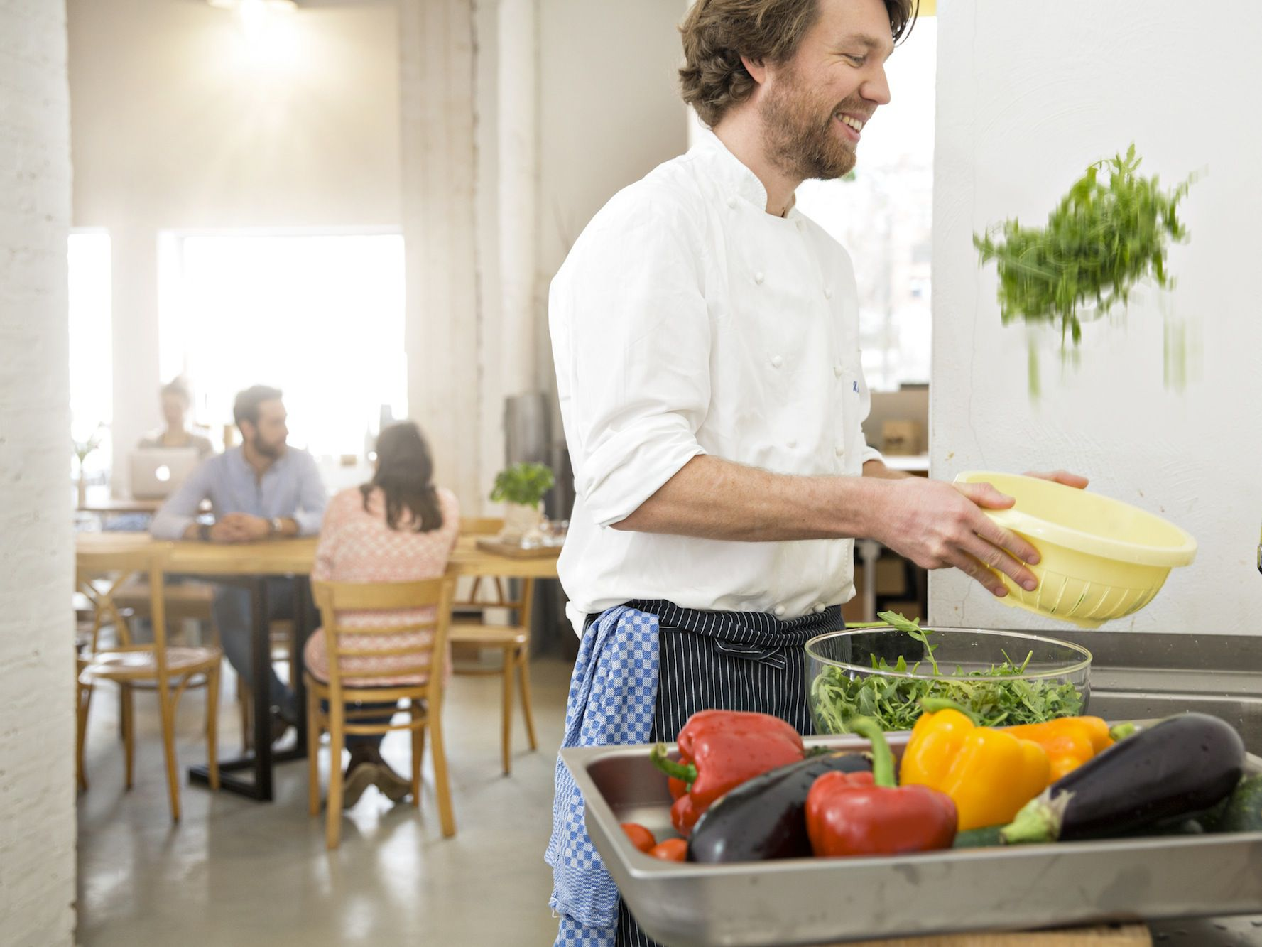 Benefits of Restaurants Buying and Serving Local Food