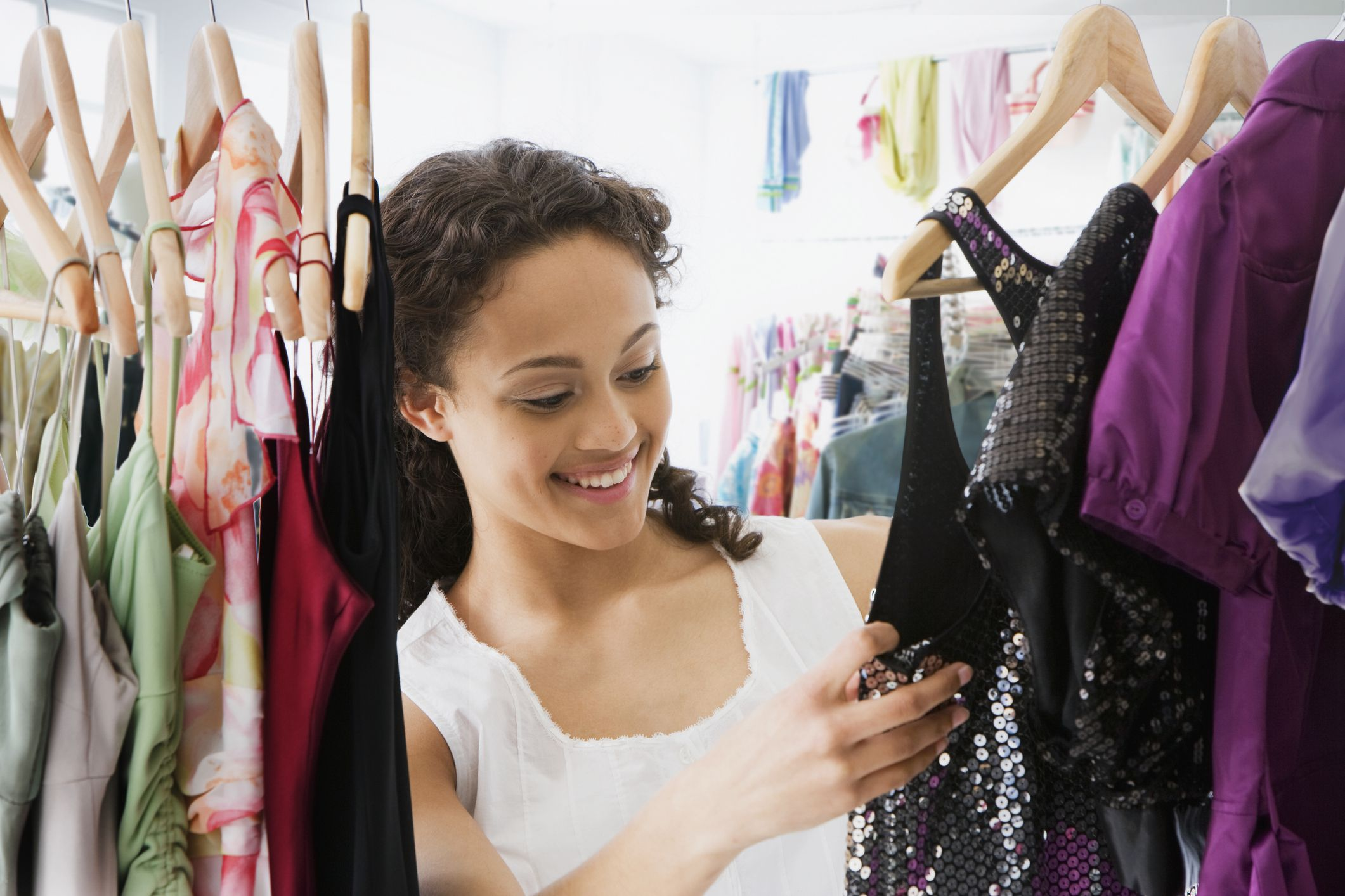 7 Styles of Hangers and Their Use in Retail Stores