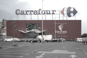 Carrefour event sign