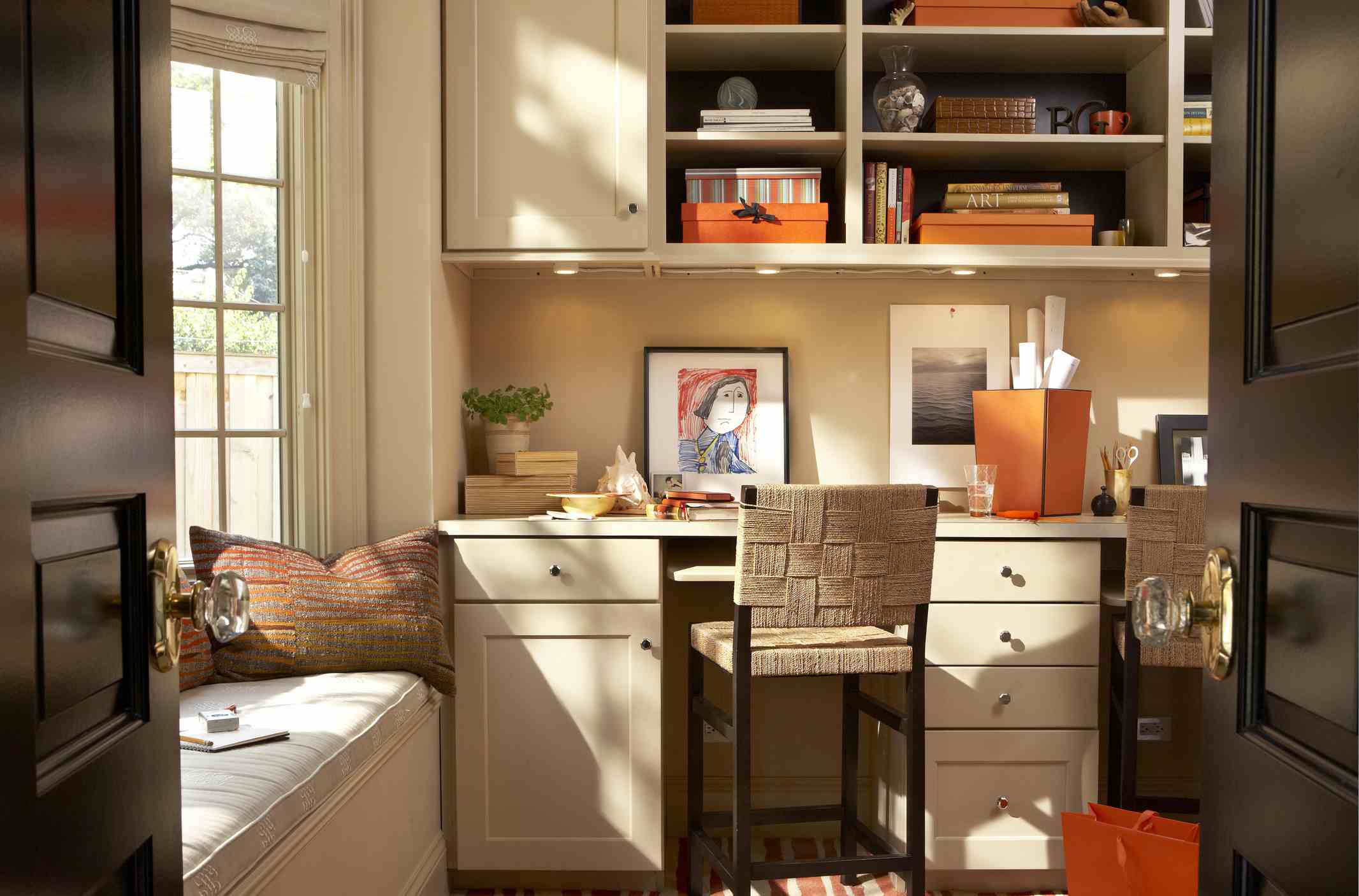 Best Layout Designs to Give Your Home Office a Makeover on
