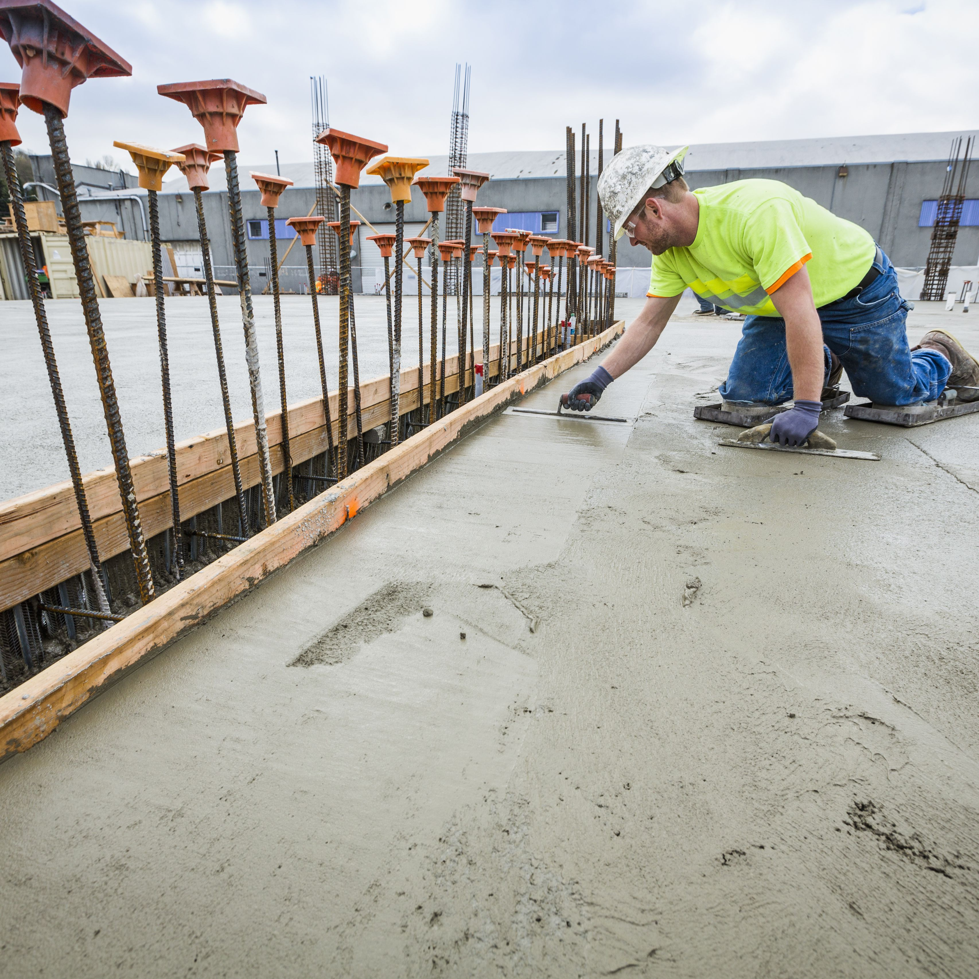 To Cure Concrete With Water And Plastic