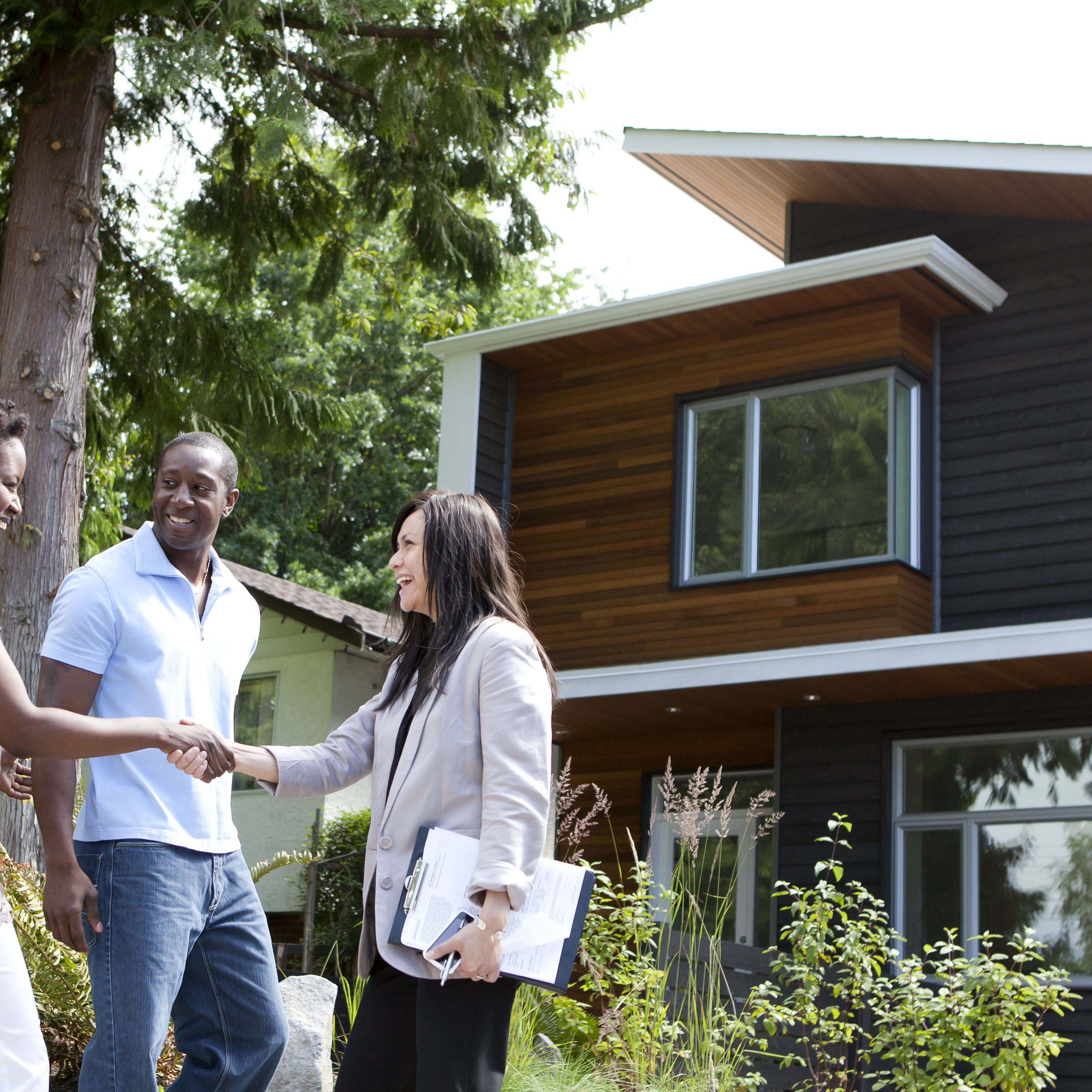 Risks to Avoid When Using Leverage in Real Estate