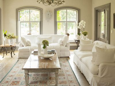 A living room decorated by a home staging business