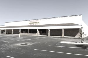 Commercial building in strip mall available for lease