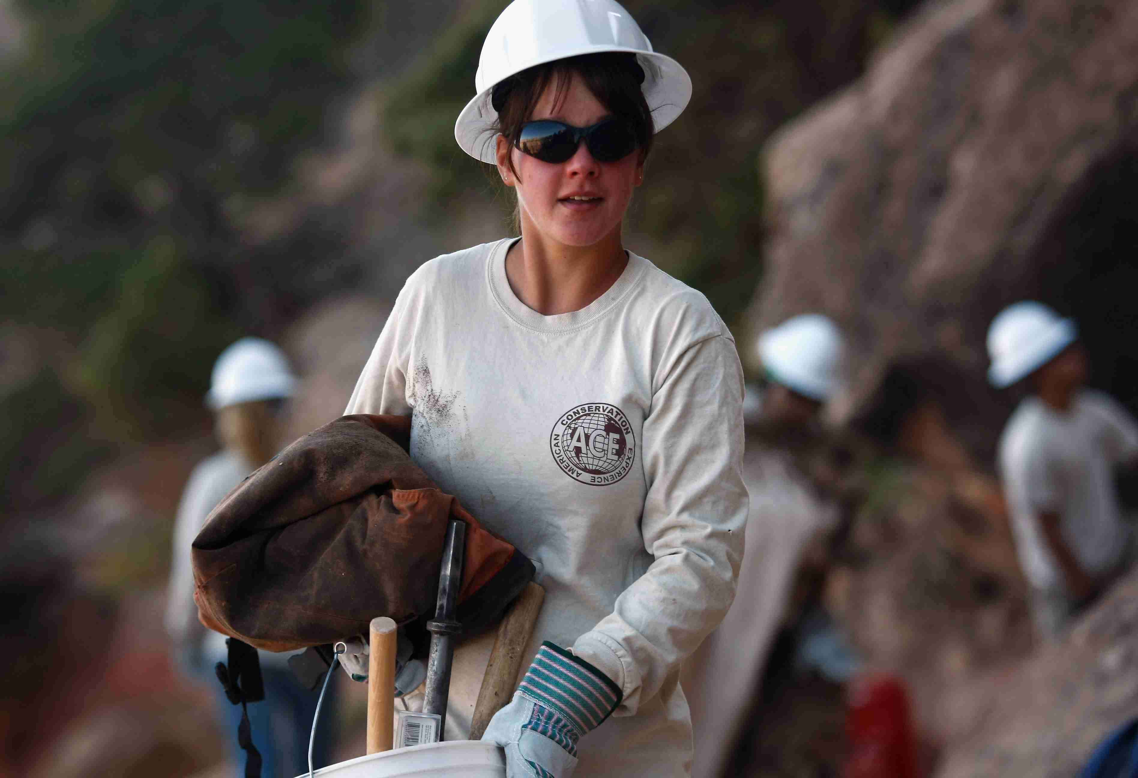 Volunteer helping to rebuild trails in Grand Canyon National Park