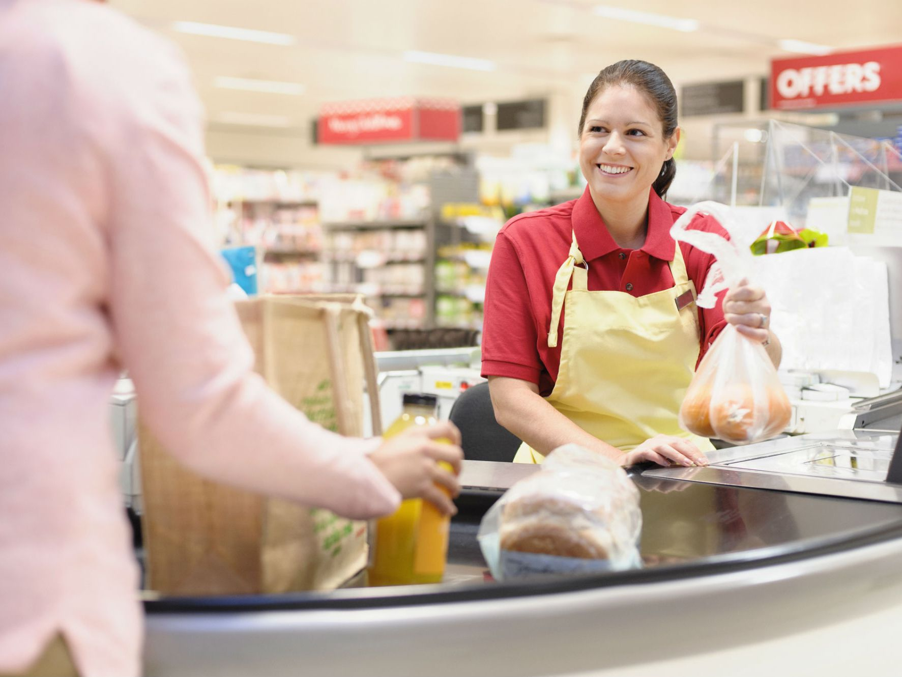 What Is the Role of a Cashier?