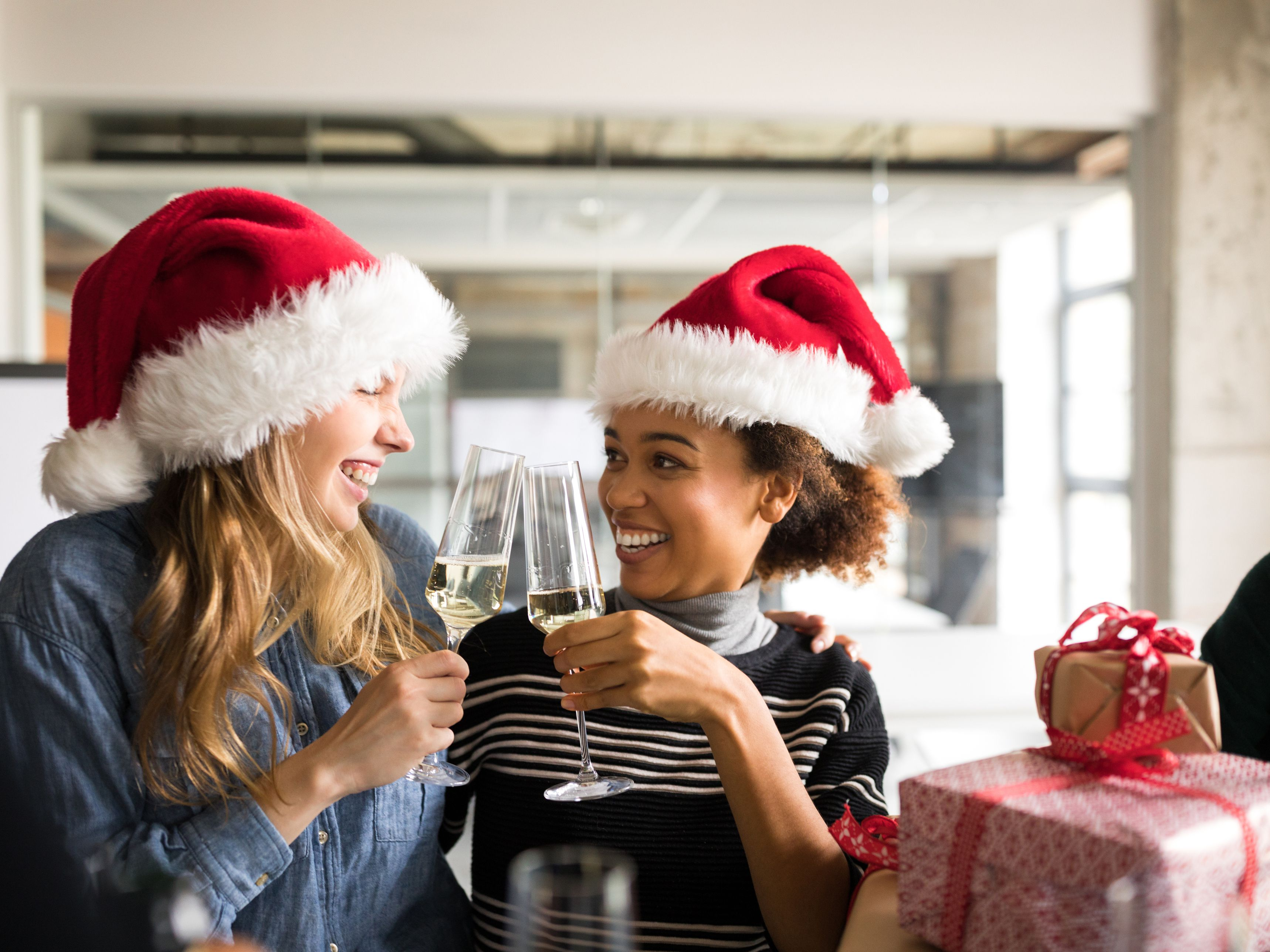 d9a193e5a083 10 Tips for Planning Your Employee Holiday Party