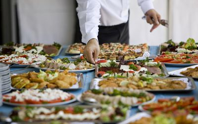 how to select menus for business lunch events