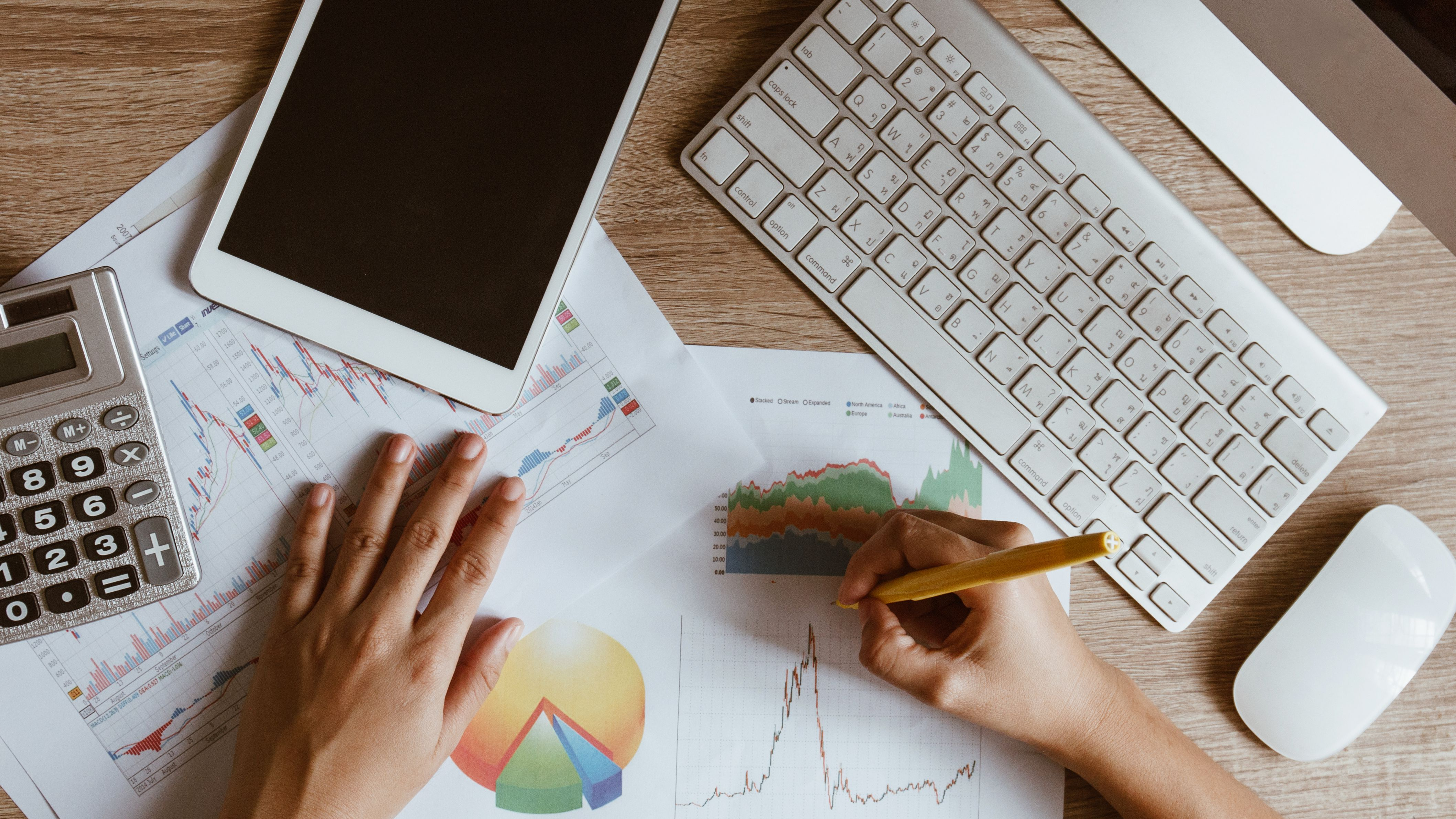How to Calculate the Cash Flow Margin of a Company