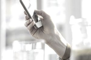 5 Ways to Get Into the Mobile Phone Business without Selling