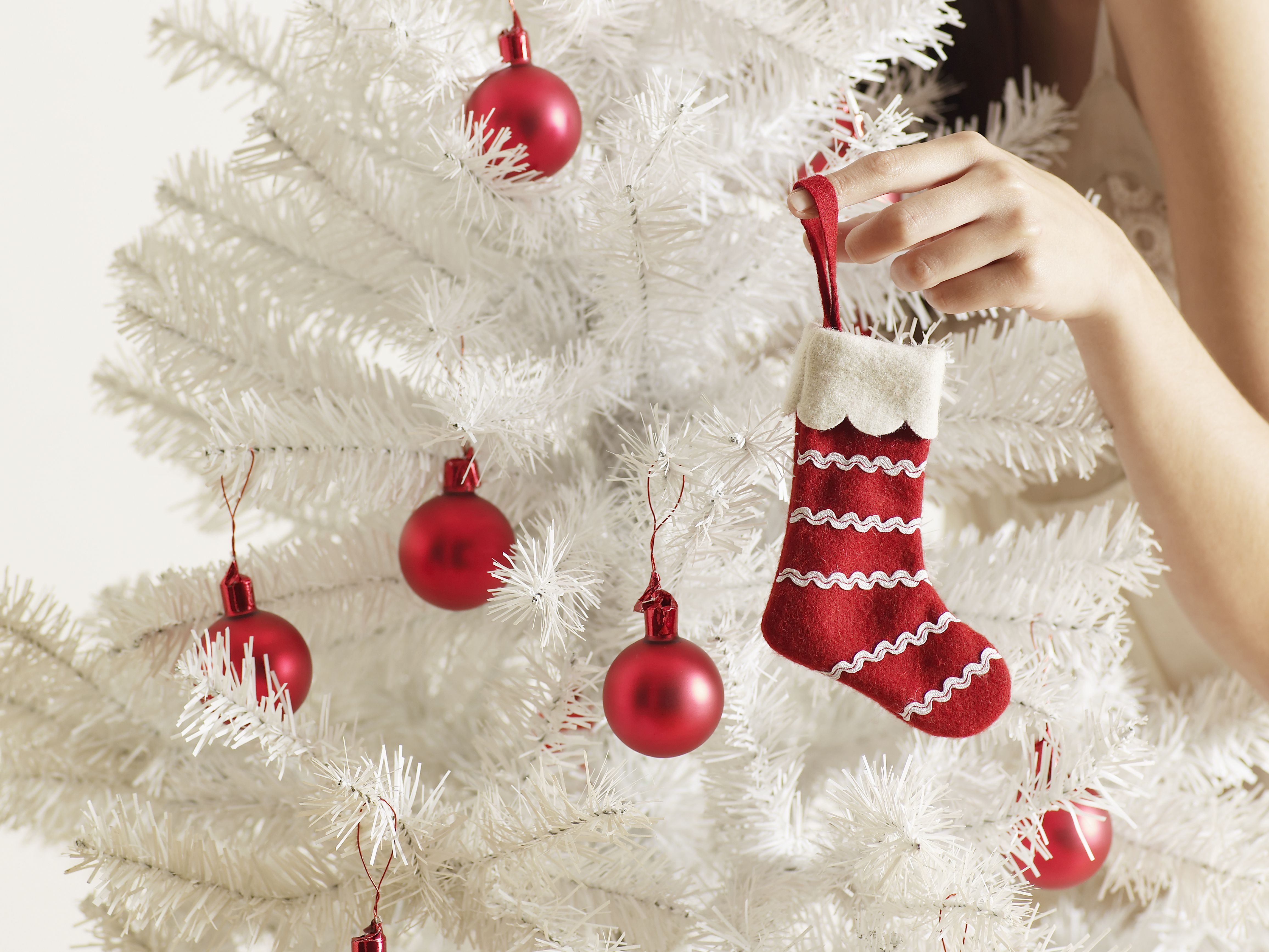 Start A Holiday Decorating Home Business