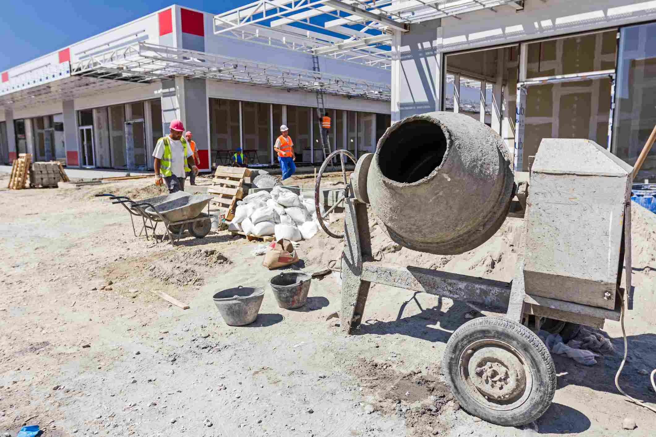 View on cement mixer machine at construction site in the large complex shopping mall 'AVIV PARK' in Zrenjanin city