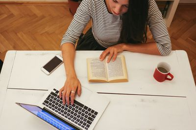 6 home business ideas for people who love books