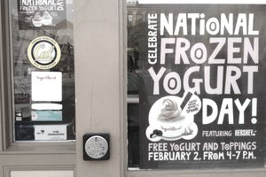 National Frozen Yogurt Day promotion
