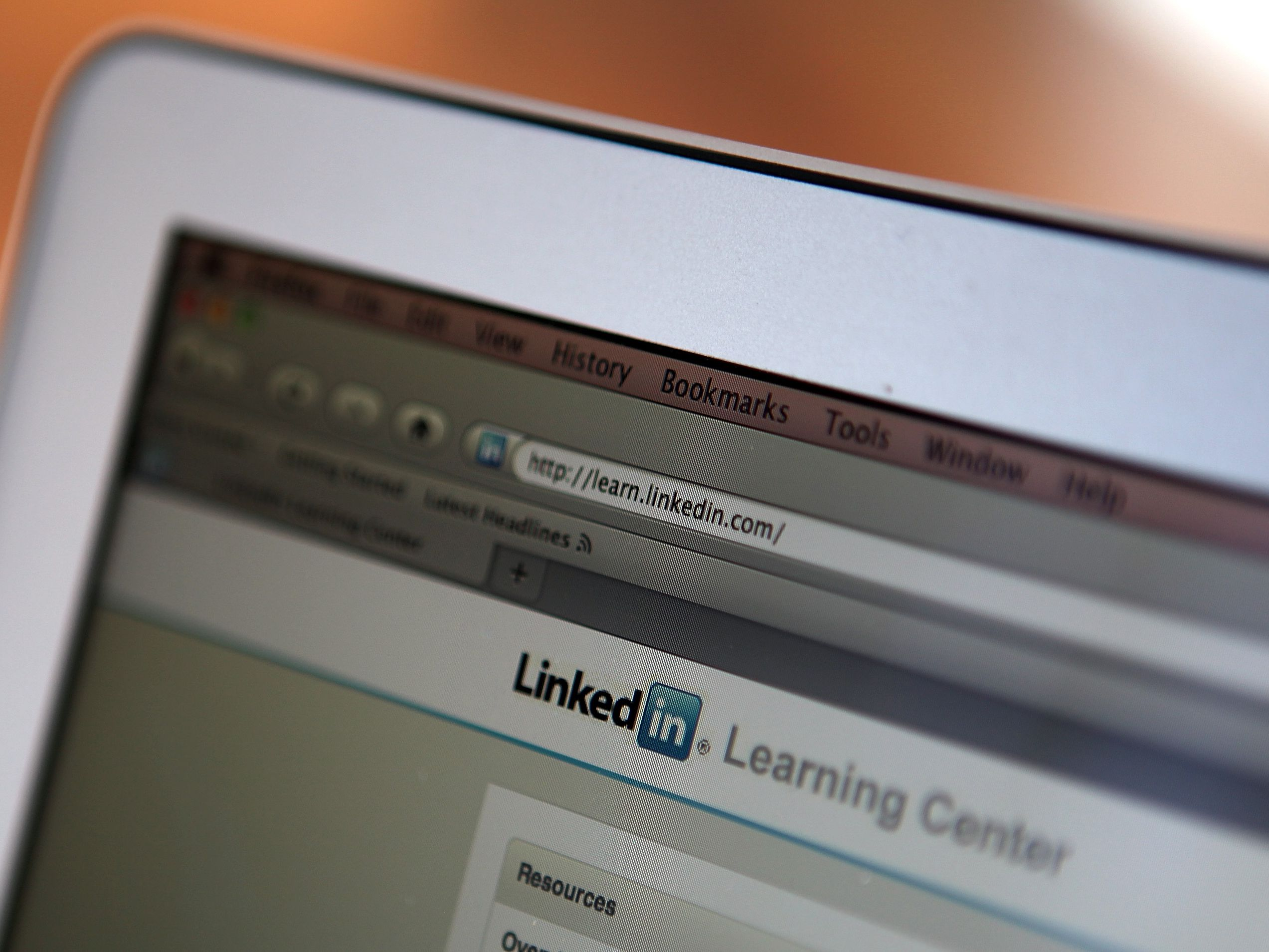 Controlling What's Displayed on Public LinkedIn Profile