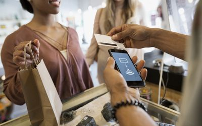 The 8 Best Business Card Scanner Apps to Use in 2019