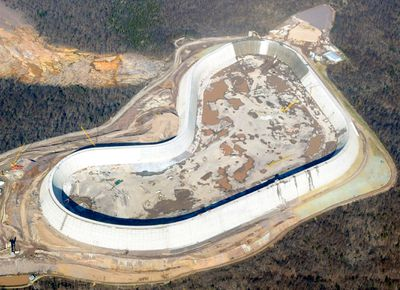 Overhead shot of Taum Sauk Reservoir under construction and using compacted concrete