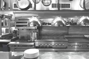 Well planned layout of a commercial restaurant kitchen