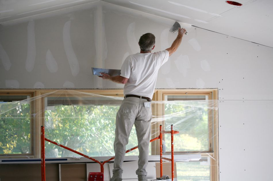 Applying Mud to Sheetrock