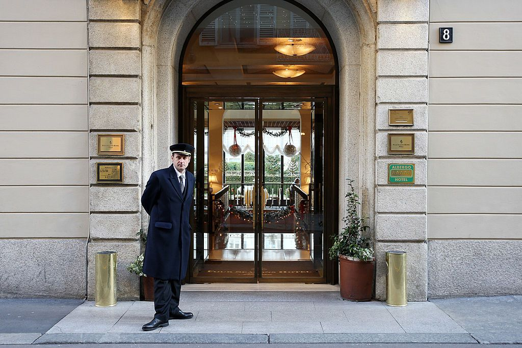how to negotiate with a hotel Negotiating a hotel block is a long and involved process it can be difficult for an event professional who only negotiates one or two contracts a year—if that—to go up against hotel staff that is trained to negotiate and that does it every day.