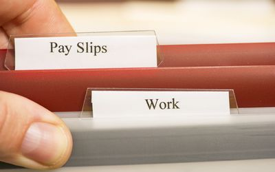 Paying in Cash to Employees and Independent Contractors