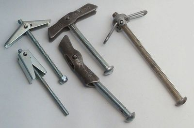 The Different Types of Hollow Wall and Drywall Anchors