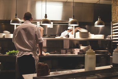Consider leasing equipment to save money at your restaurant