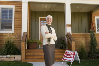 lead generation services help real estate agents close more sales