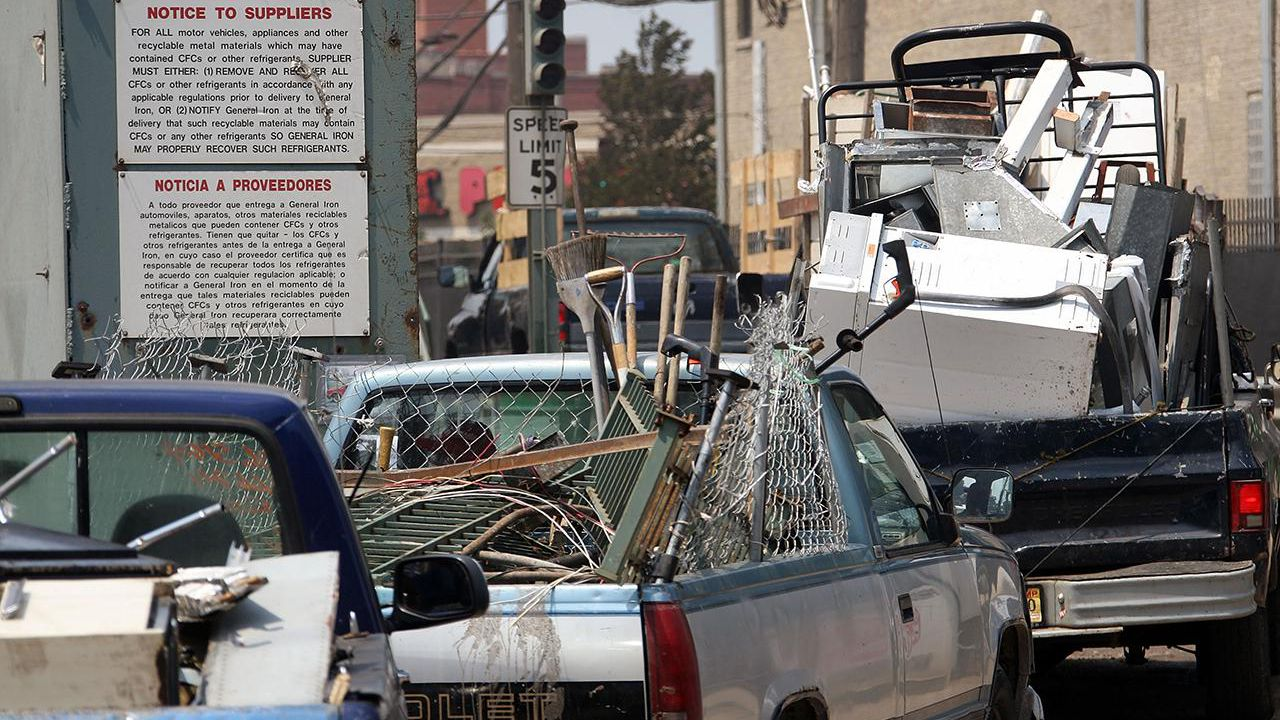 Learn How to Become a Scrap Metal Vendor