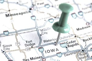 Pin pointing to a map that shows the best states to incorporate a business in