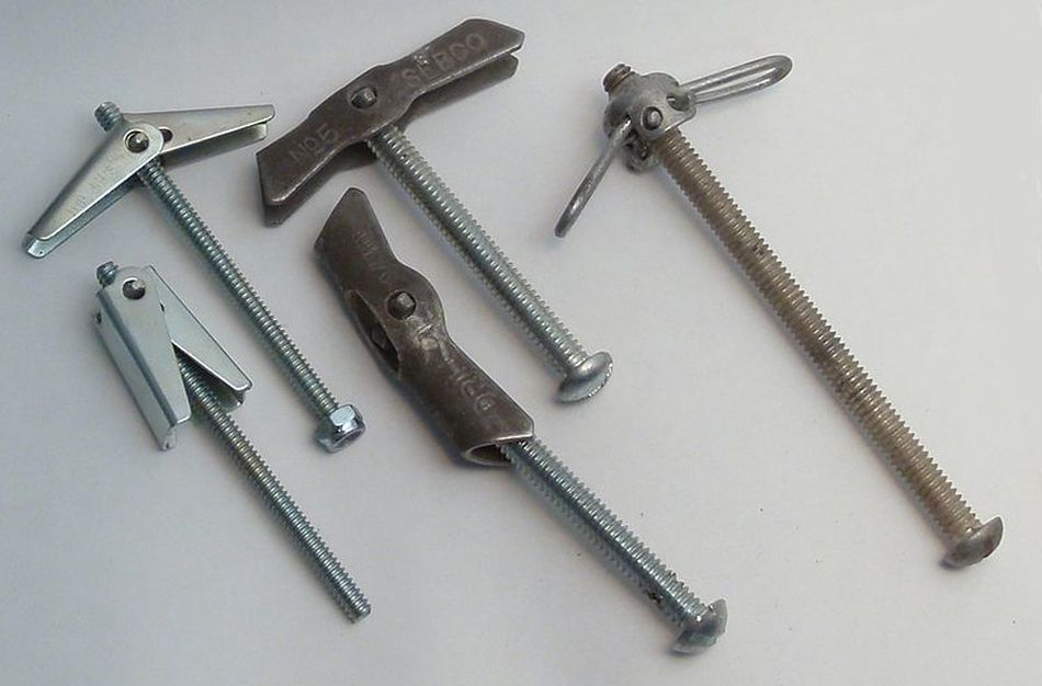 The Diffe Types Of Hollow Wall And Drywall Anchors