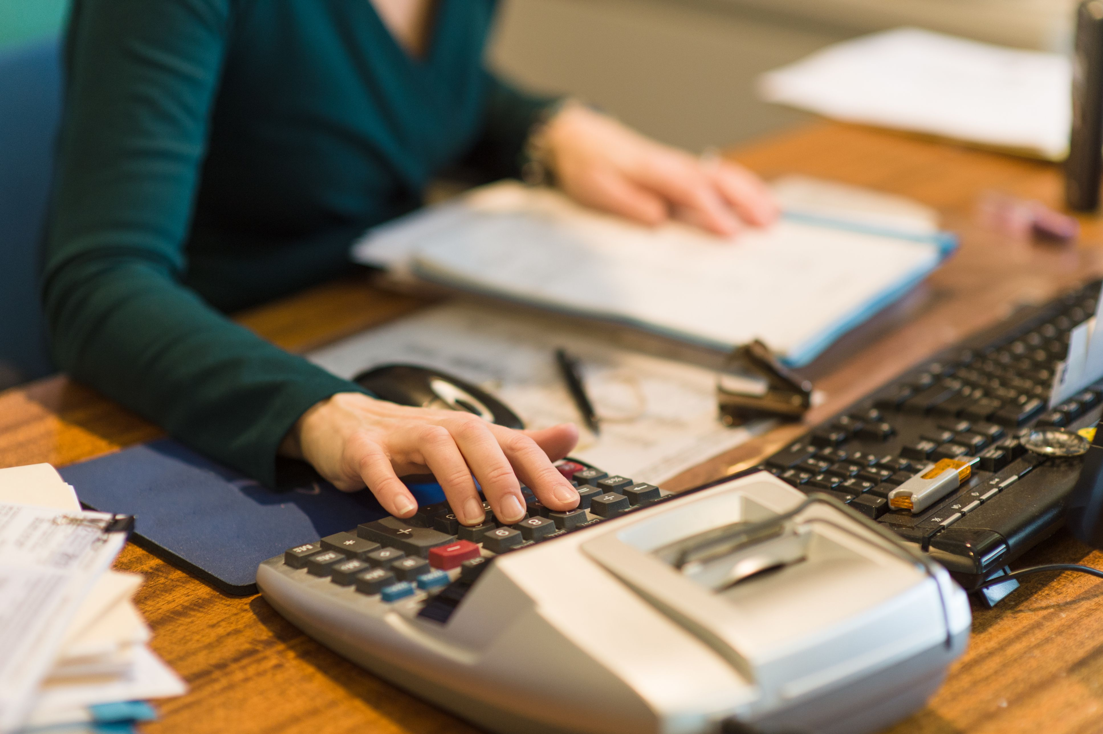 how much does a bookkeeper make in canada