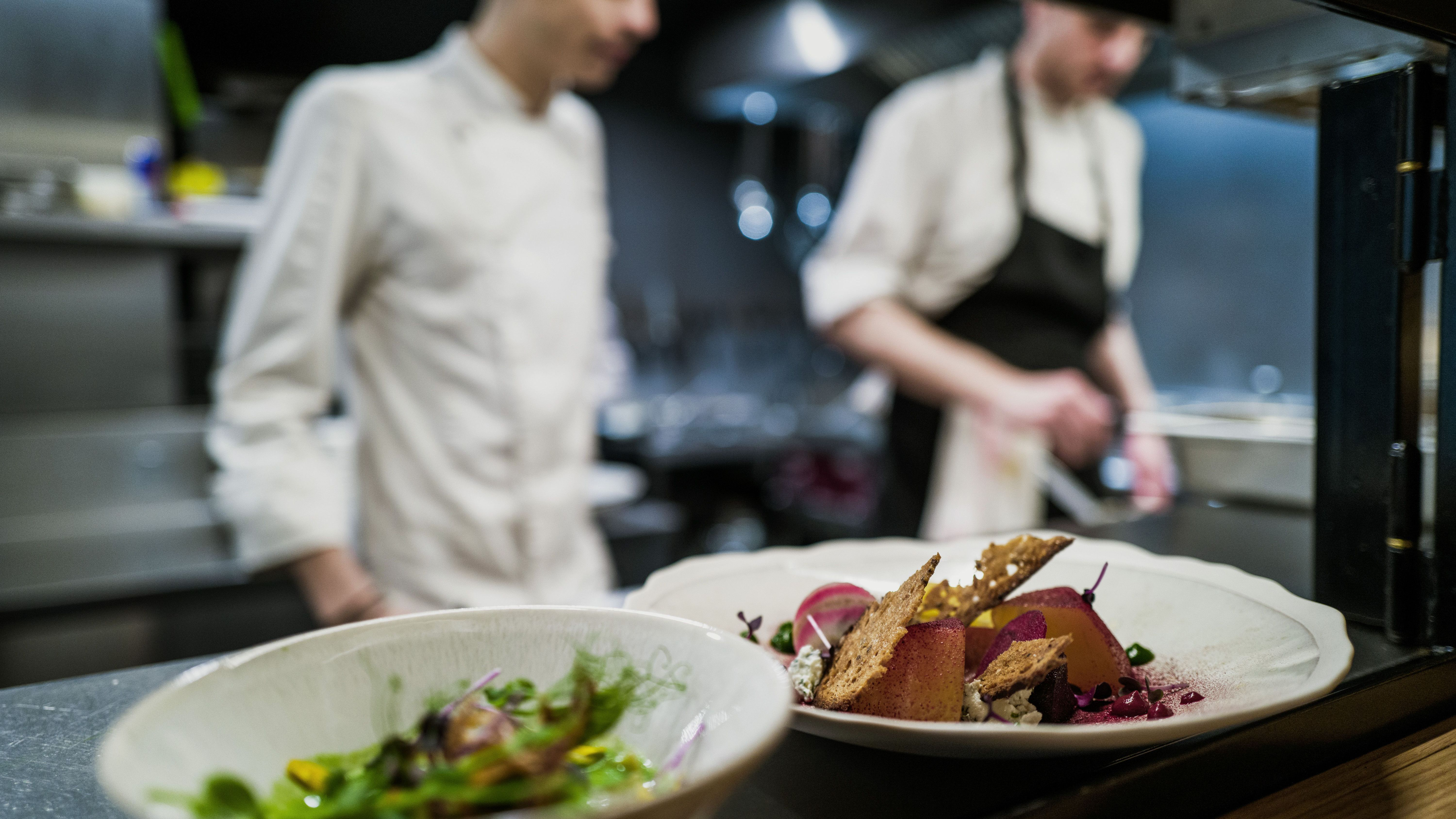 What Makes A Fine Dining Restaurant