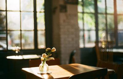 Languid afternoon in a cozy restaurant