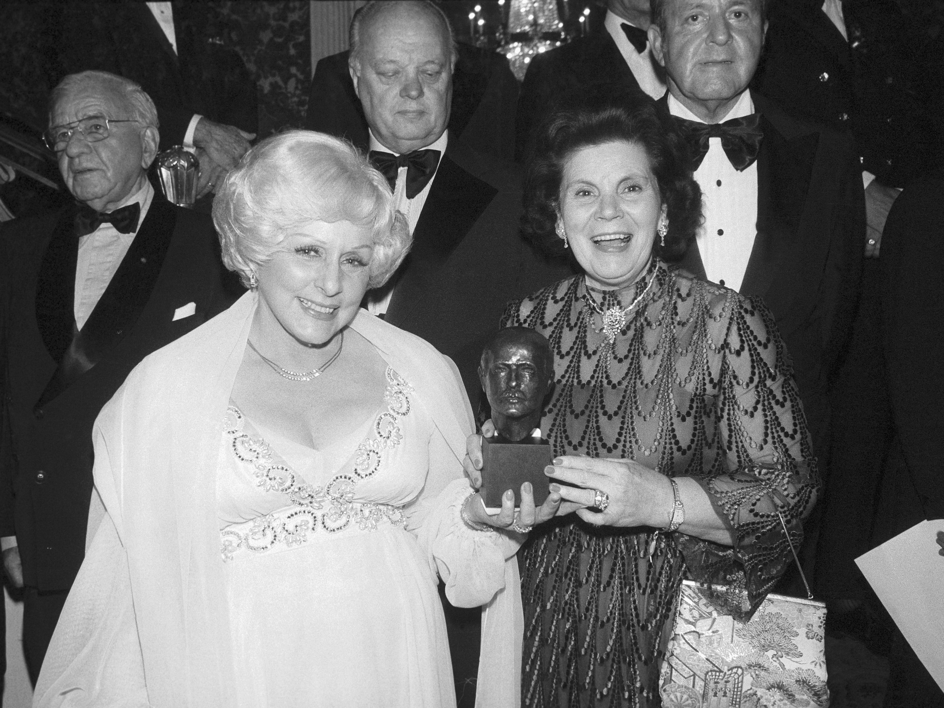 Mary Kay Ash Outstanding Woman In Business
